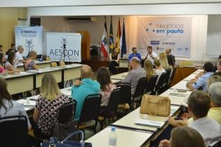 Diretora Presidente palestra no Sincovat - Foto 7